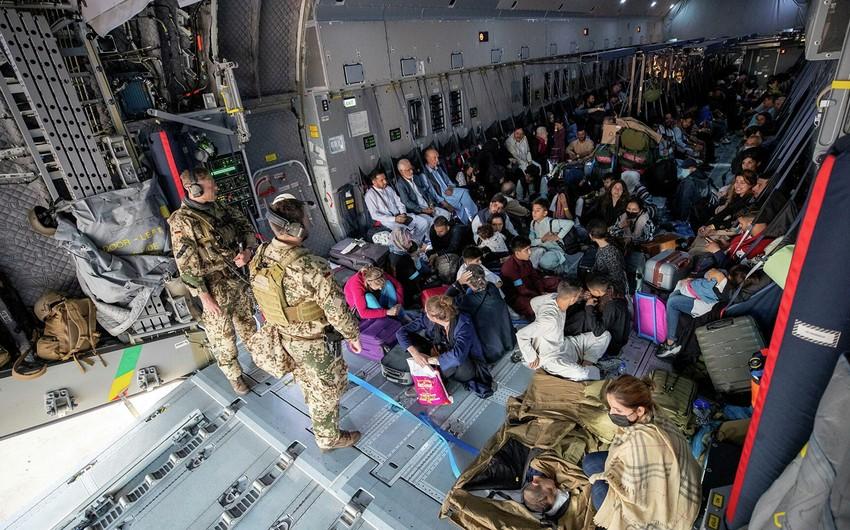 NATO Əfqanıstandan təxliyə etdiyi insanların sayını açıqlayıb