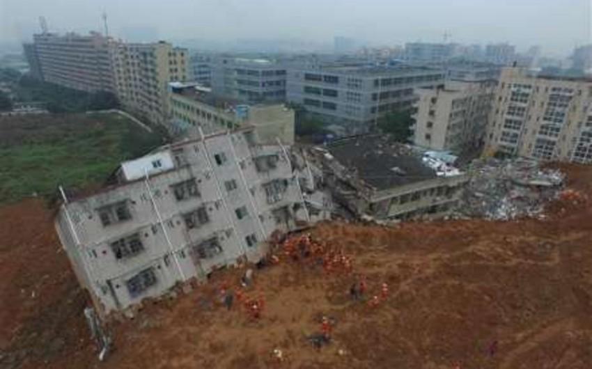 Çində baş vermiş torpaq sürüşməsi zamanı 11 nəfər ölüb