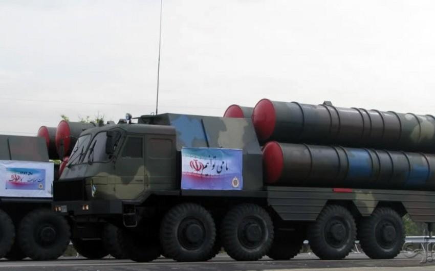 İranda Bavar-373 zenit-raket kompleksinin təqdimatı olub