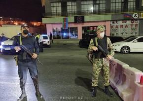 В Баку полиция задержала водителя, нарушившего комендантский час, открыв стрельбу
