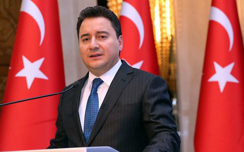 Əli Babacan AKP-dən istefa verib