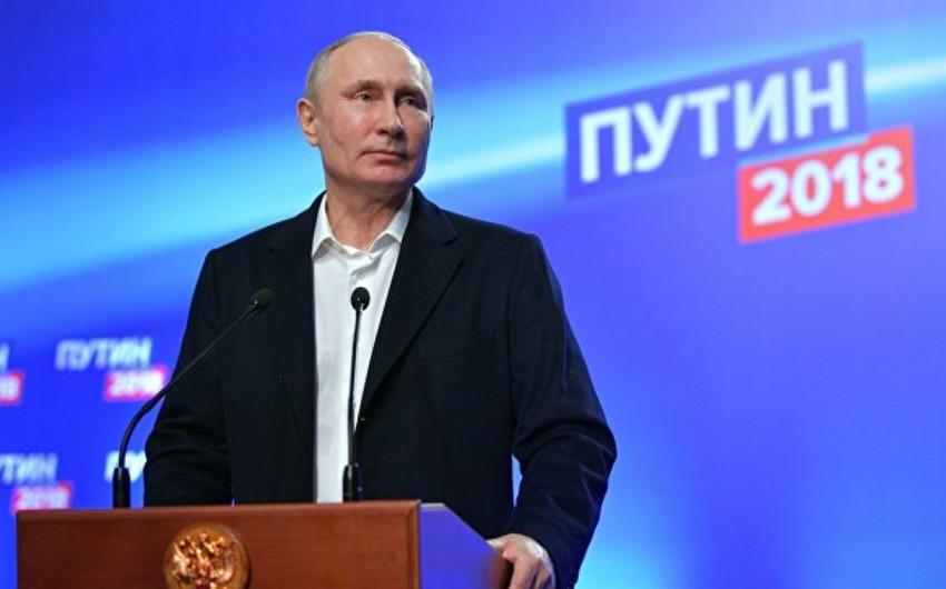 Rusiya MSK: Bülletenlərin 99 faizinin nəticələrinə görə, Putin 76,65 faiz səs toplayıb - YENİLƏNİB-5
