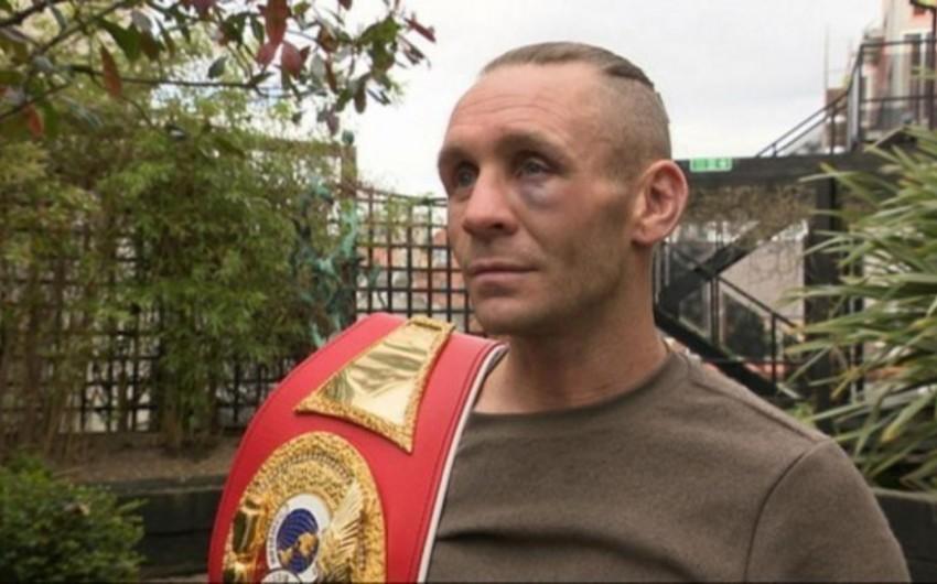 Şotland boksçusu çempion kəmərini oğluna görə satışa çıxarıb