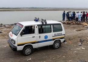 Hindistanda çay sahilində yüzlərlə meyit aşkarlandı