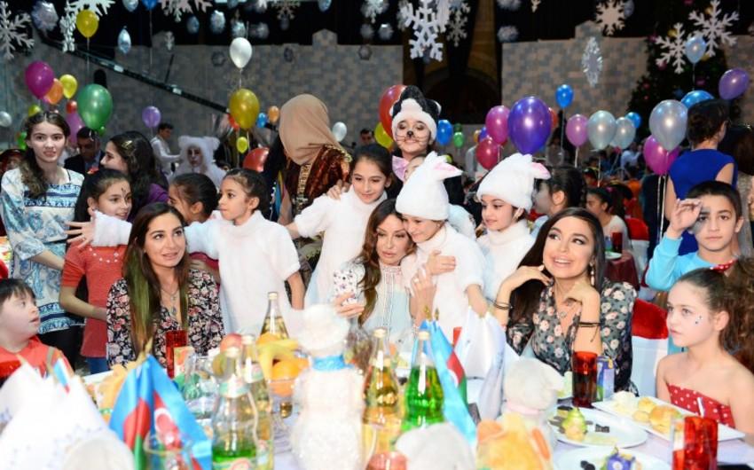 Heydər Əliyev Fondunun təşkil etdiyi bayram şənliyində uşaqlar sevinc dolu anlar yaşayıblar