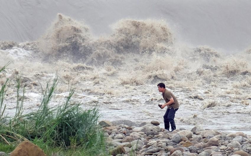 Çində tayfun səbəbindən 400 minə yaxın insan təxliyə edilib