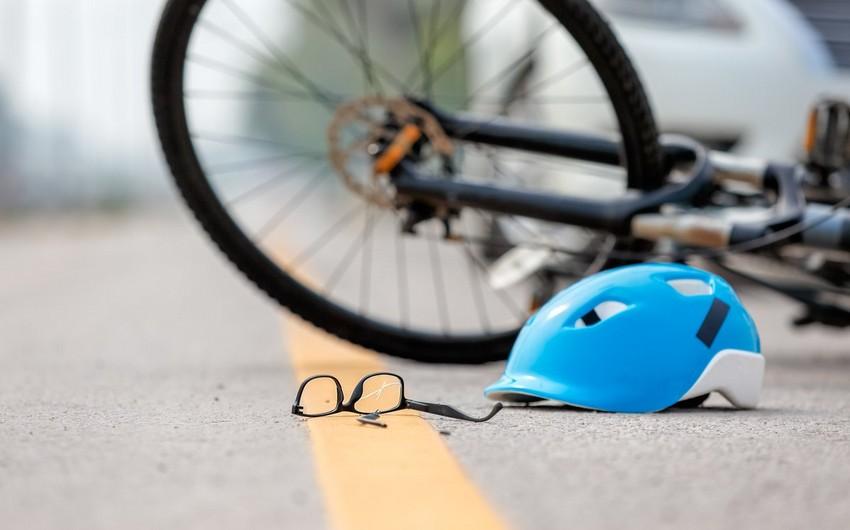 Cəlilabadda avtomobil 4 yaşlı uşağı vuraraq öldürdü
