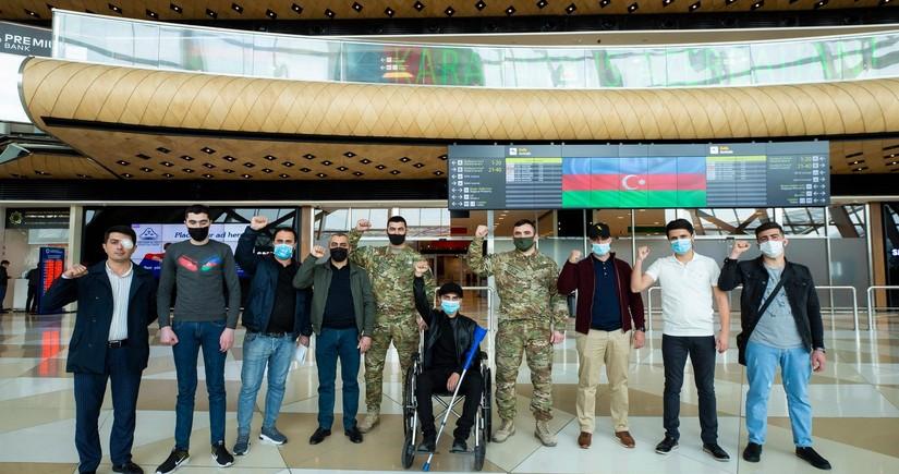 Daha 12 qazimiz Türkiyəyə göndərildi