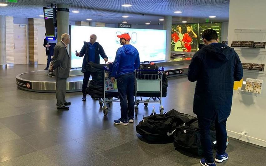 Azərbaycan milli komandası Latviyaya yola düşüb