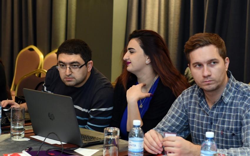 Для азербайджанских спортивных журналистов проведен двухдневный тренинг, посвященный Формуле-1