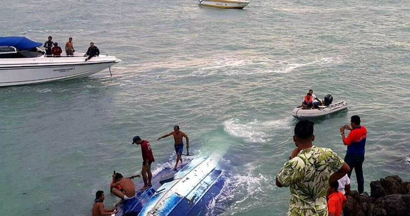 В Бразилии три человека погибли после крушения лодки с туристами
