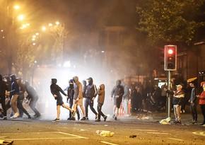 В Белфасте в ходе беспорядков пострадали почти 20 полицейских