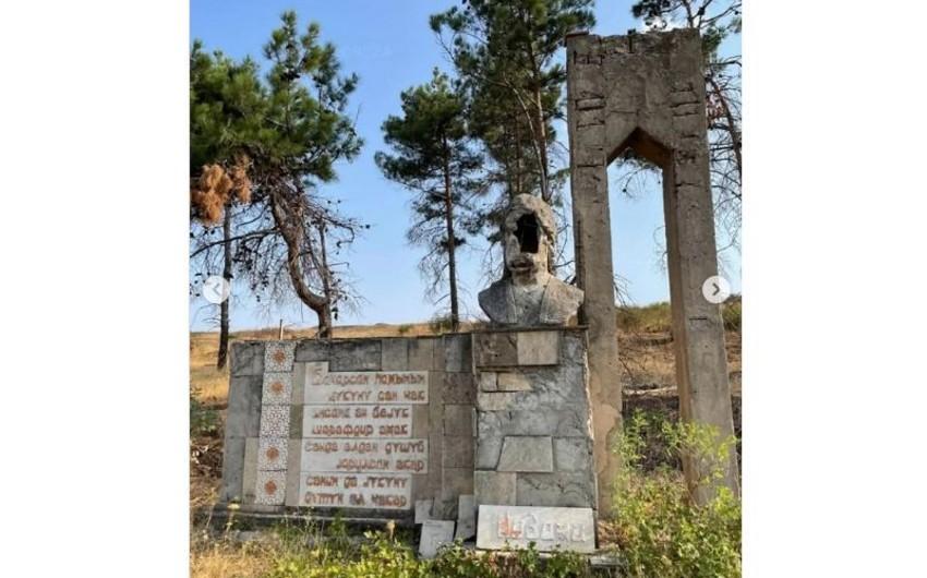 Reza Deghati shares post on defaced bust of Nizami Ganjavi