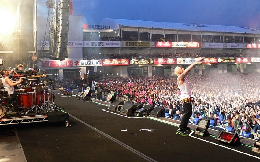 Almaniyada rok festivalı zamanı tamaşaçıları ildırım vurub