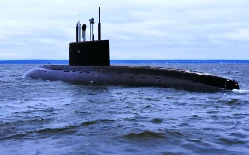 Rusiya Aralıq dənizindəki sualtı qayıqdan İŞİD-ə raket zərbəsi endirib - VİDEO
