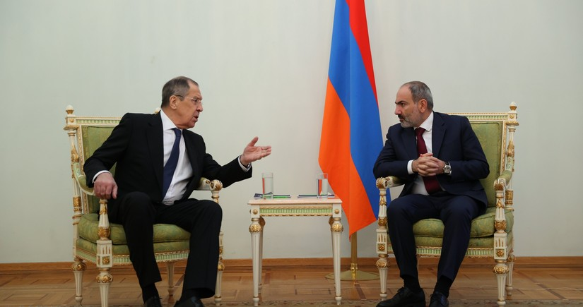 Sergey Lavrov Nikol Paşinyanla görüşüb