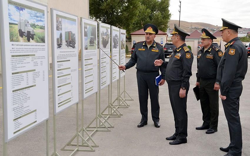 Закир Гасанов посетил воинскую часть войск связи