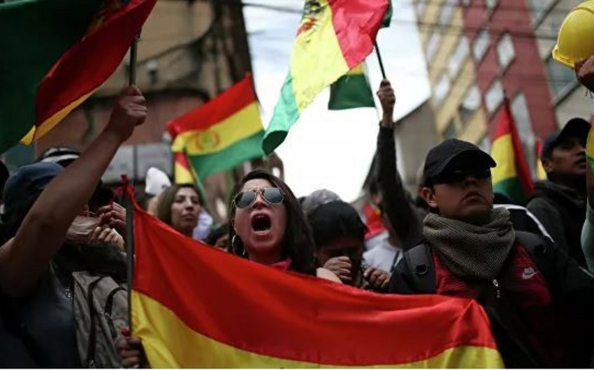 Boliviyada qarşıdurmalar başlayıb, ölənlər və xəsarət alanlar var