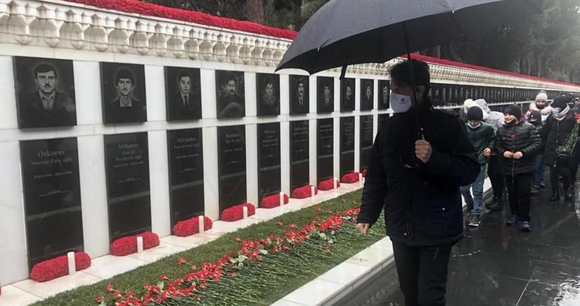 Посол Италии почтил память шехидов 20 января