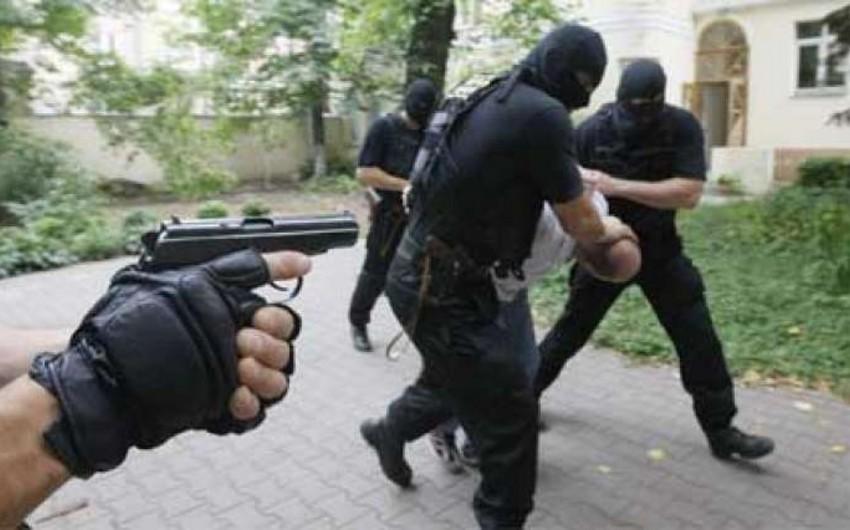 Gəncədə polis Taleh Bağırzadənin tərəfdarlarına qarşı əməliyyat keçirib, xeyli silah-sursat aşkarlanıb