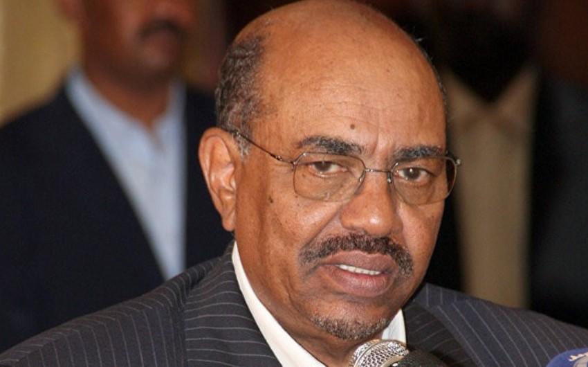 Sudanın sabiq prezidenti korrupsiya ittihamı ilə 2 illik həbs olunub