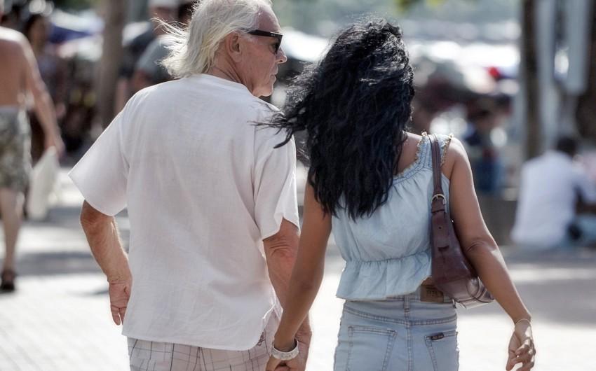 Ученые выяснили, в каком возрасте люди наиболее привлекательны для противоположного пола