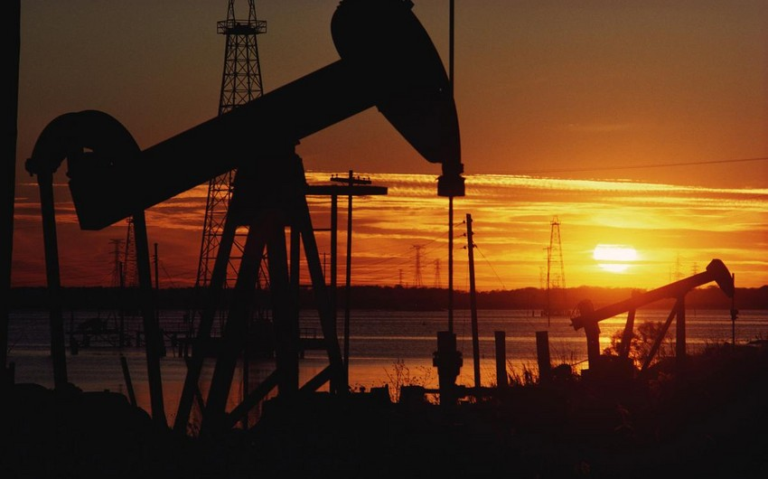 Crude oil prices drop in the markets