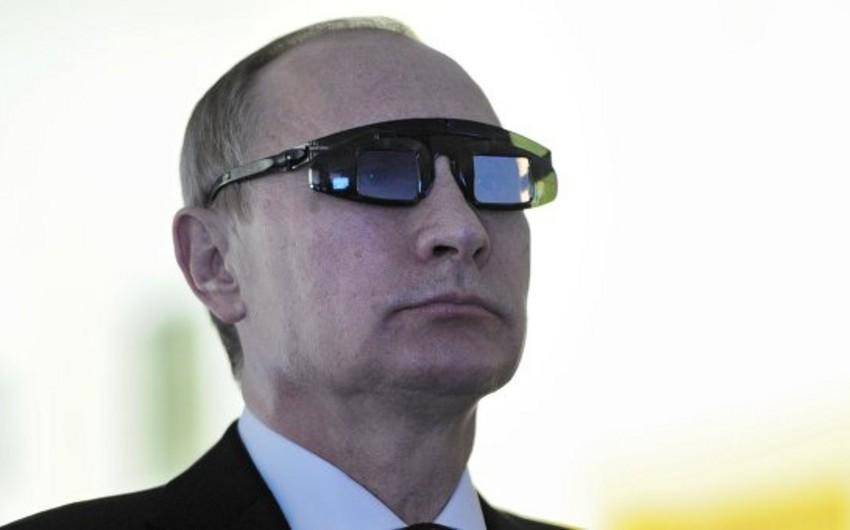 Путин: западные элиты хотят видеть Россию нищей с протянутой рукой