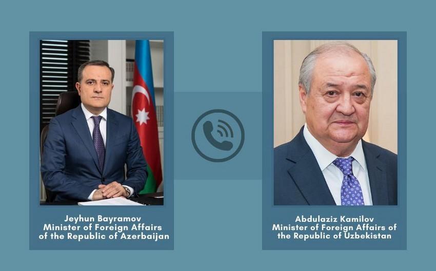Azərbaycan və Özbəkistan XİN başçıları arasında telefon danışığı olub