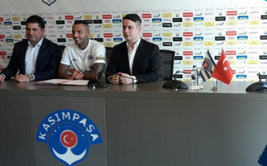 Rikardo Kuarejma yeni klubu ilə müqavilə imzalayıb