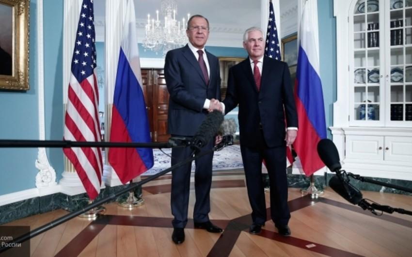 ABŞ dövlət katibi ilə Rusiya XİN başçısı arasında görüş keçirilib