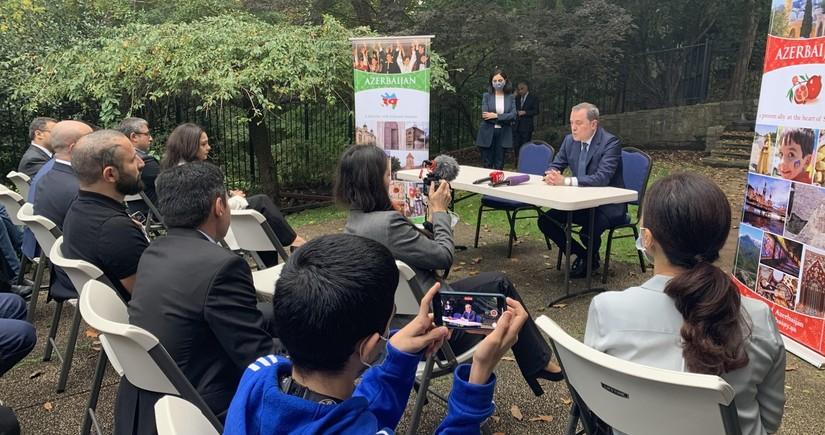 Ceyhun Bayramov ABŞ-da azərbaycanlılarla görüşdü