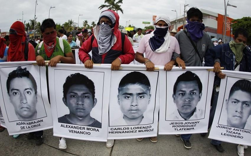 Мексика: демонстрация в память о пропавших студентах