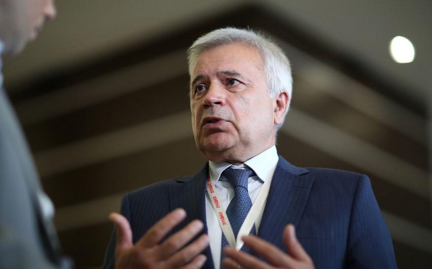Vahid Ələkbərov OPEC+un neft hasilatını azaldacağı ehtimalına münasibət bildirib