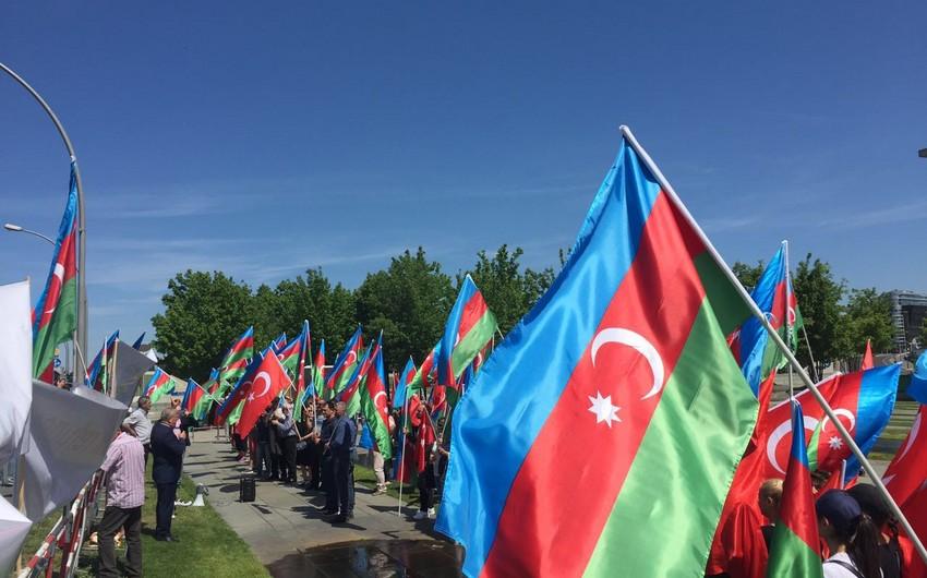 Berlində Azərbaycan diaspor təşkilatları aksiya keçirib