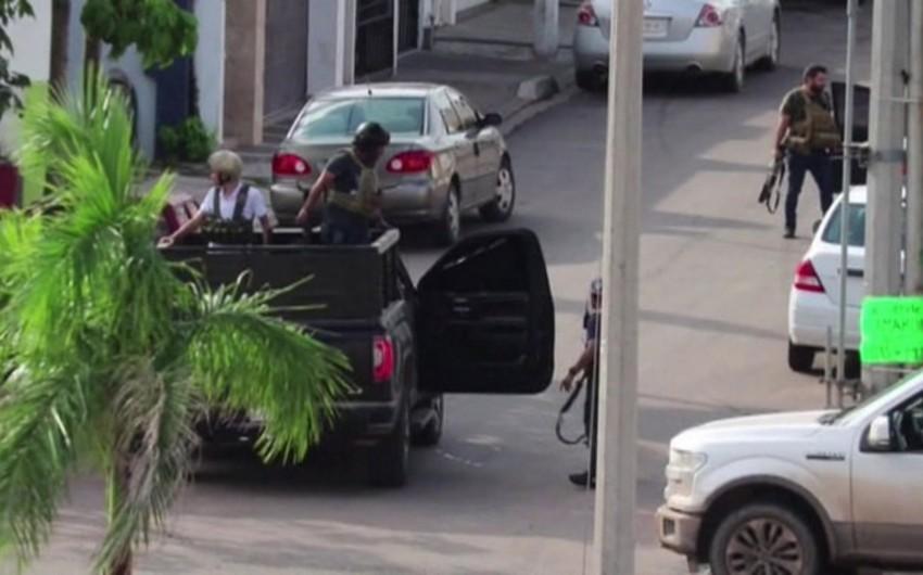 Meksikada hotelə silahlı hücum olub, ölənlər var