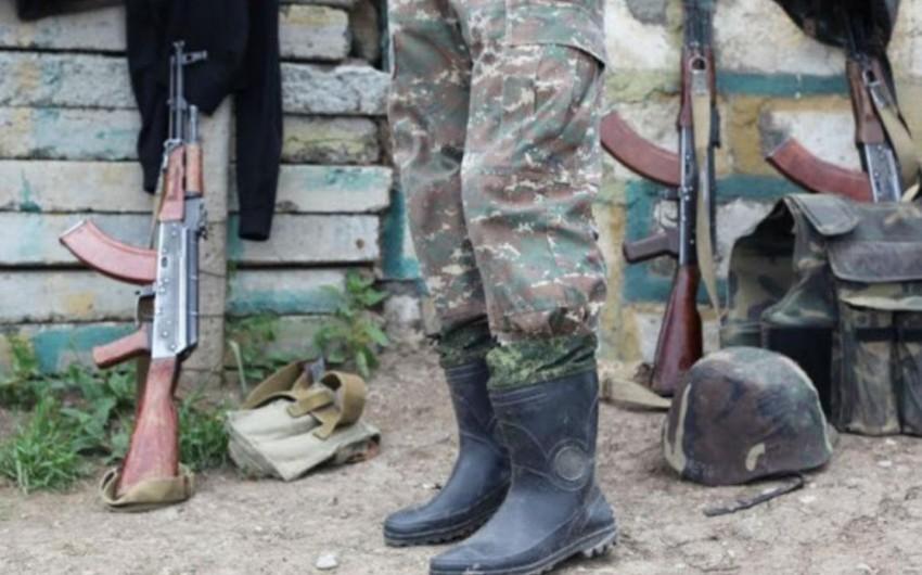 Ermənistan ordusunda komandir gənc zabiti döyüb