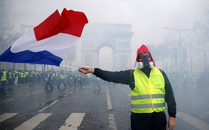 Fransada 345 nümayiş iştirakçısı saxlanılıb