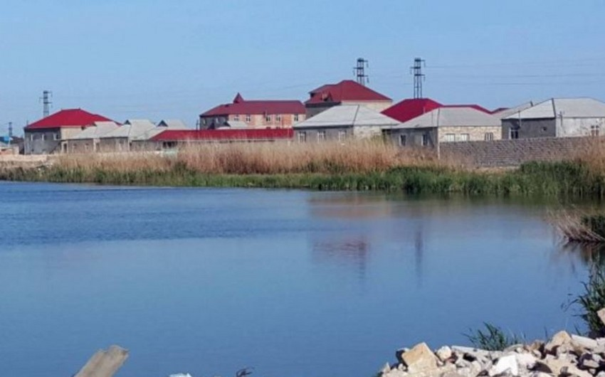 Zabrat gölündə suyun səviyyəsi qalxıb, bəzi yerlərdə həyatyanı sahələri və yolları su basıb