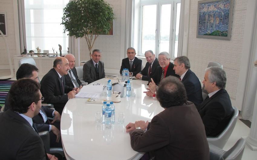 Əbülfəs Qarayev Moldovadan olan nümayəndə heyəti ilə görüşüb