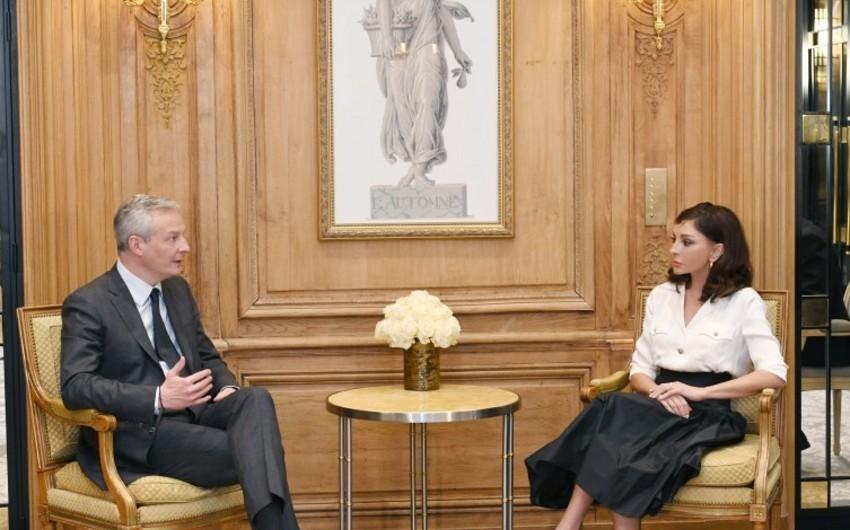 Birinci vitse-prezident Fransanın iqtisadiyyat və maliyyə naziri ilə görüşüb