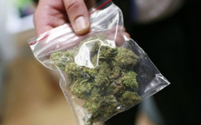 Astara sakini külli miqdarda narkotik maddə ilə saxlanılıb