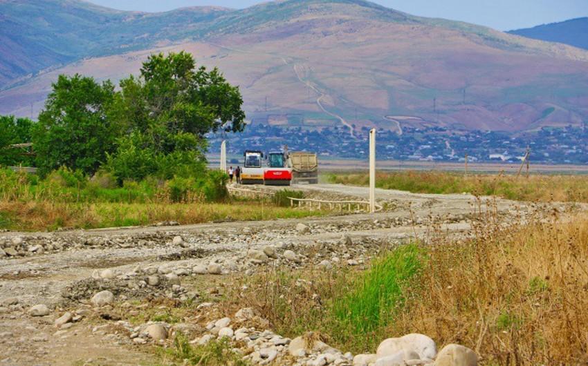 Ağsuda 8 yaşayış məntəqəsini birləşdirən avtomobil yolu tikilir - VİDEO