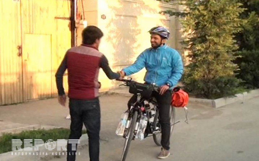 Hindistanlı velosipedçi dünya turu çərçivəsində Azərbaycana gəlib - FOTO