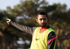 Neftçinin futbolçusu: Belə vəziyyətdə oynamaq çox çətindir