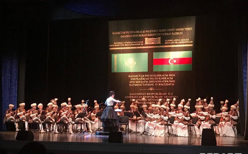 Bakıda Qazaxıstan Akademik Folklor-Etnoqrafik Orkestrinin konserti keçirilib