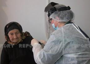 Yevlaxda 108 yaşlı qadın COVID-19-a qarşı peyvənd olundu