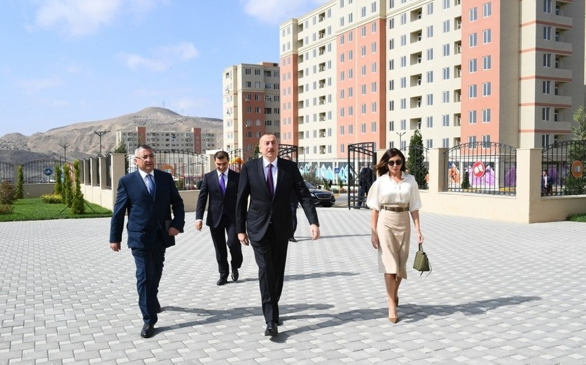 Президент Ильхам Алиев принял участие в открытии жилого комплекса для вынужденных переселенцев - ОБНОВЛЕНО