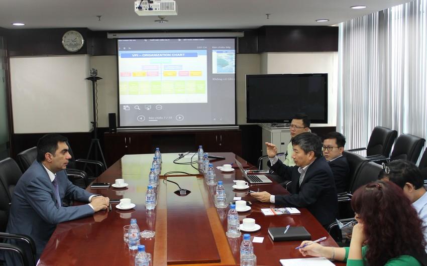 Эльмар Гасымов побывал в Институте Нефти Вьетнама