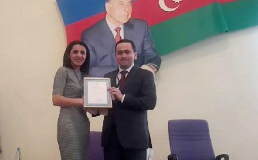 Təhsil Nazirliyi BDU-nun mətbuat xidmətinin rəhbərini diplomla təltif edib